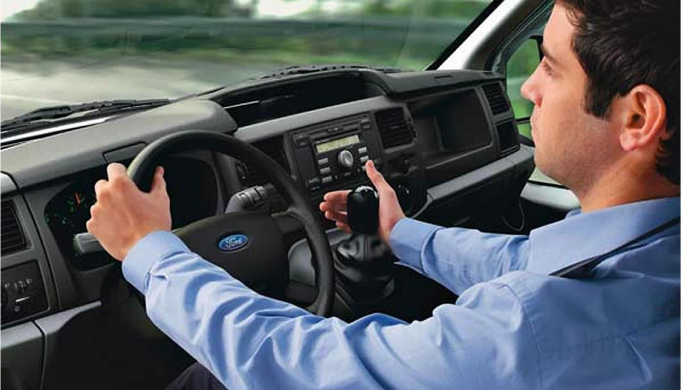 Resultado de imagen para manejando carro
