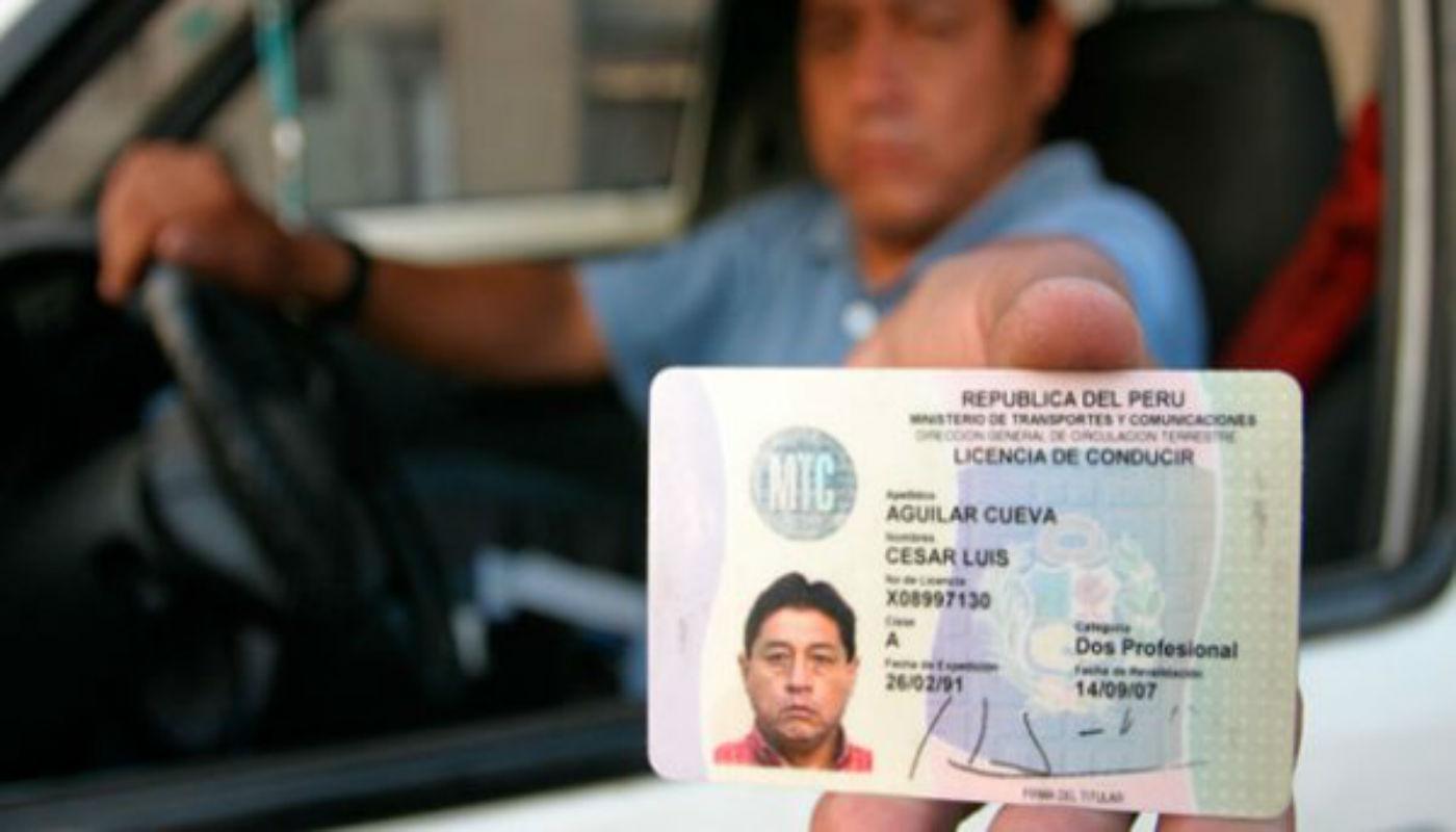 Perú suscribe acuerdo con Chile para canje de licencia de conducir ...